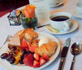 The complimentary breakfast at the Hotel Granduca is memorable, with 14 fresh fruits available, an assortment of pastries, cereals, eggs, and fresh coffee.