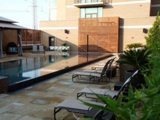 Infinity pool at Hotel Palomar Dallas